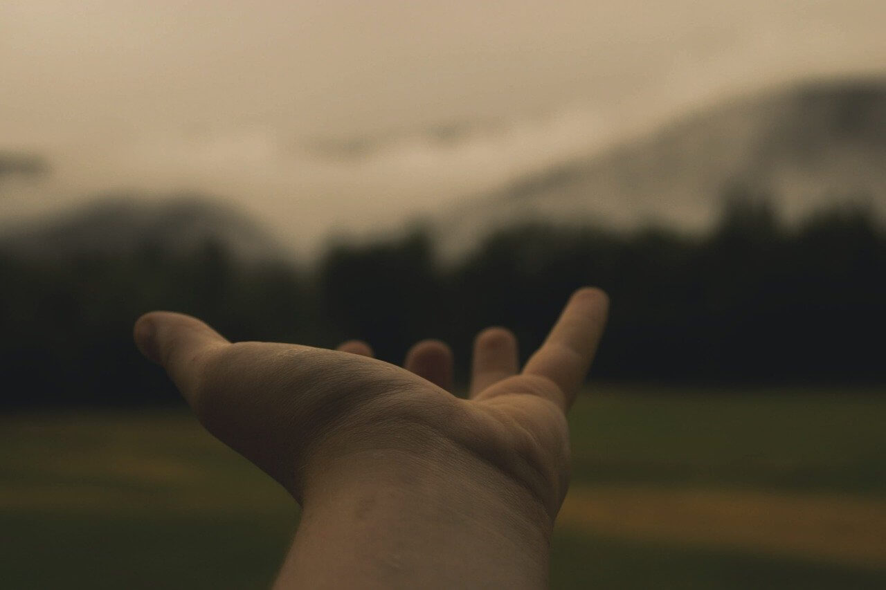 יד מושטת